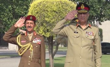Photo of Omani General Meets Army Chief