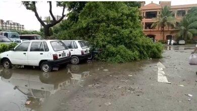 Photo of بارش ختم ہوئے کئی گھنٹے گذر چکے، کراچی کے مرکزی علاقوں میں ابتر صورتحال برقرار