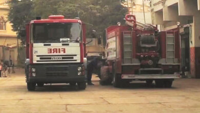 Photo of کراچی کی 80فیصد عمارتوں میں آگ لگنے کی صورت میں ایمرجنسی راستہ موجود نہیں، سندھ ہائیکورٹ میں انکشاف