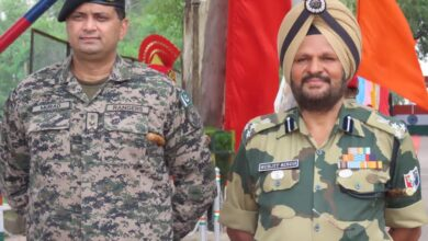 Photo of Pakistan, India Hold Sector Commander Level Meeting At Intl Border