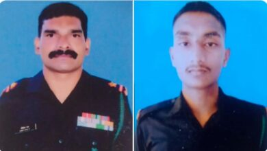 Photo of 2 Indian Soldiers Killed near LoC